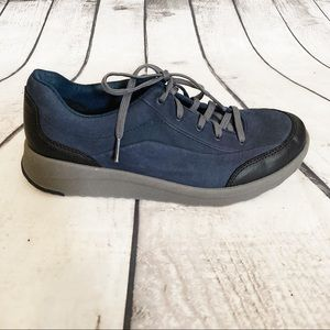 CLARKS Darleigh Fabric Low Top Lace Up Sneaker 8.5